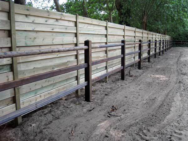 Simple scegli la tua tipologia di recinzione with for Recinzioni in legno brico